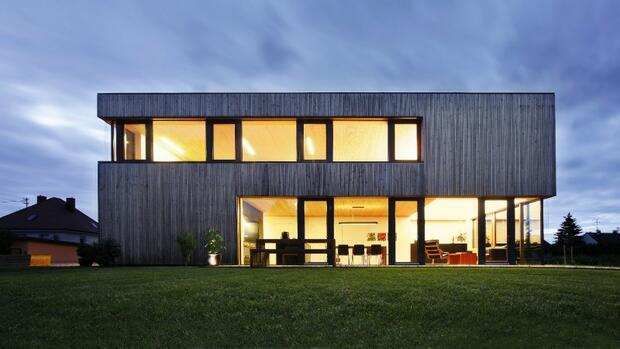 stromerzeugung zu hause f nf wege im vergleich. Black Bedroom Furniture Sets. Home Design Ideas