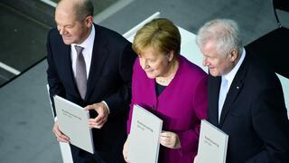 Ein Jahr Große Koalition: Wirtschaft schimpft über magere GroKo-Bilanz