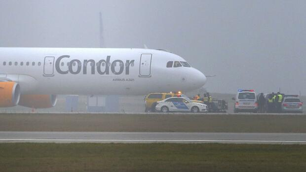 Der Condor-Airbus A321 in Budapest. Quelle: REUTERS
