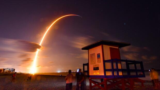 SpaceX rollt riesige Satelliten-Flotte aus