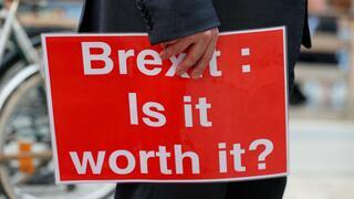 Angst vor dem Chaos: Brexit drängt britische Firmen zu Hamsterkäufen