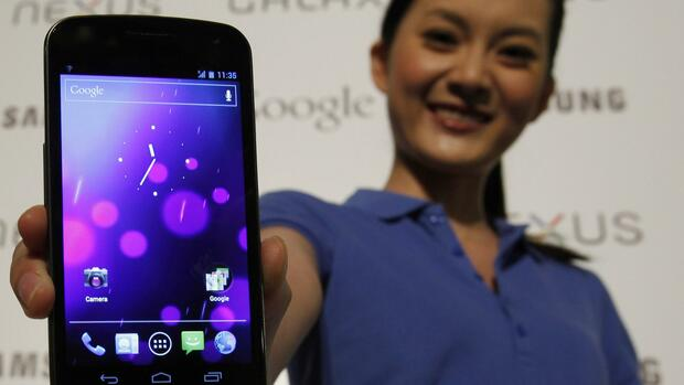 Smartphone mit Android-Betriebssystem Quelle: REUTERS