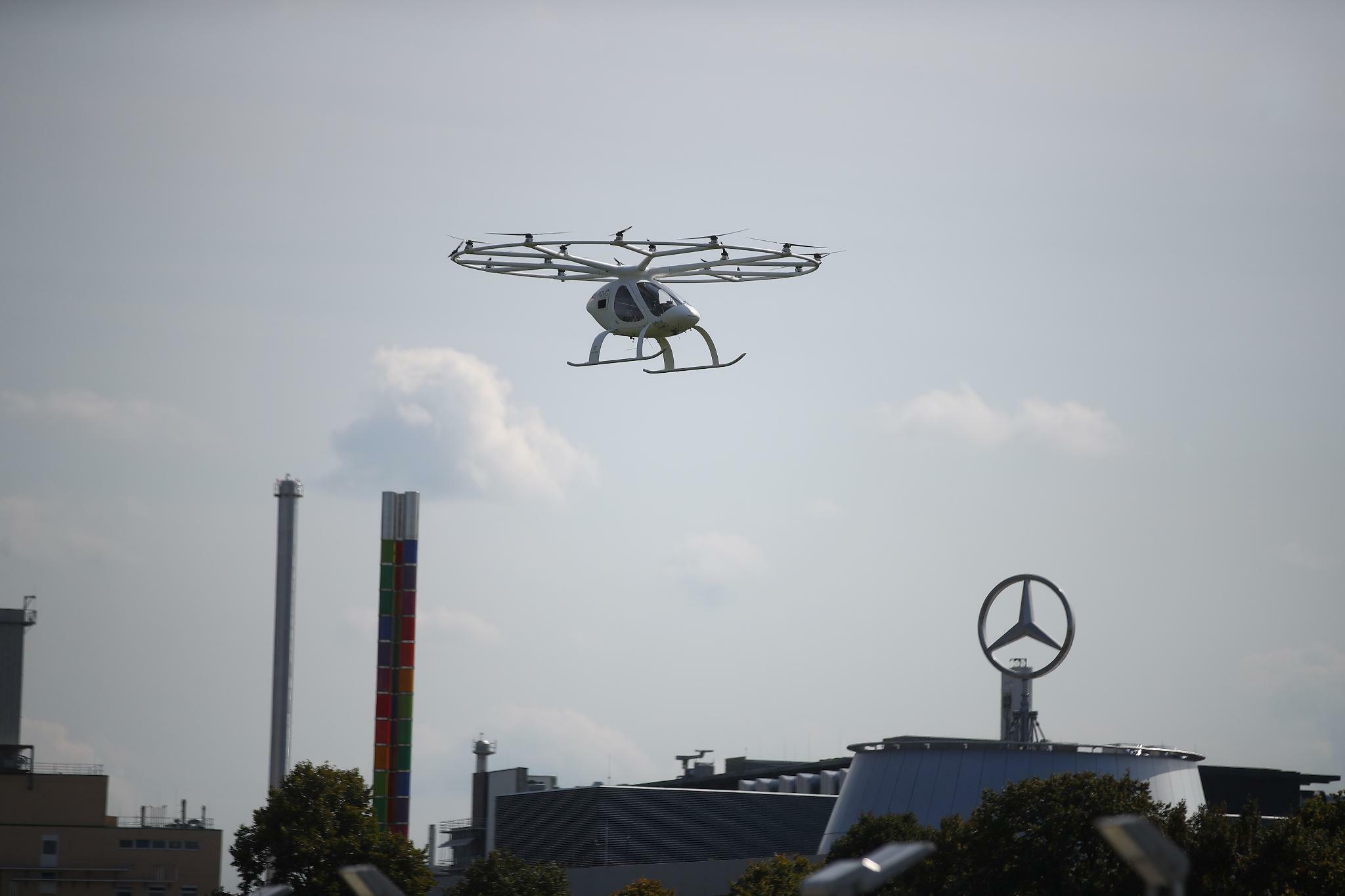 Erster Volocopter hebt über Stuttgart ab