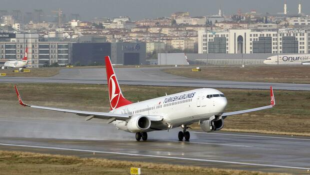 Ein Flugzeug der Turkish Airlines Quelle: REUTERS