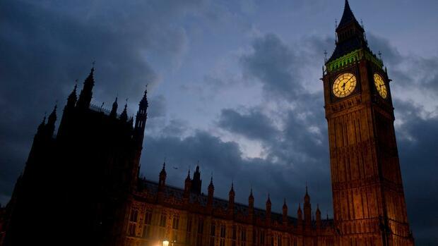 Britisches Unterhaus wirft Regierung