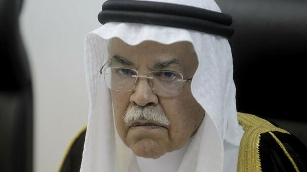 REFILE - ADDING USAGE RESTRICTIONS Saudi Arabia's Oil Minister Ali al-Naimi attends a news conference with Morocco's Energy Minister Abdelkader Amara in Rabat, April 7, 2016. REUTERS/Stringer EDITORIAL USE ONLY. NO RESALES. NO ARCHIVE Quelle: Reuters