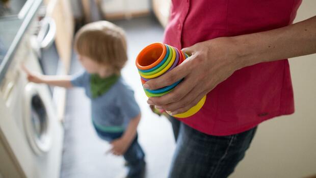 Wirtschaft - : Zahl der Elterngeld-Plus-Bezieher verdoppelt
