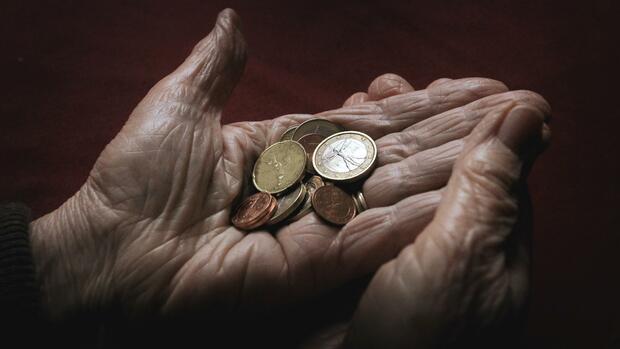 Ungerechte Steuern: Immer mehr Rentner müssen Steuern zahlen – manche von ihnen im Laufe ihres Lebens sogar doppelt Quelle: dpa