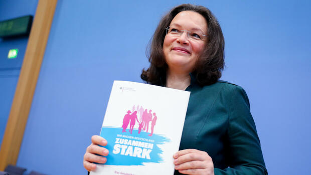 Bundesarbeits- und -sozialministerin Andrea Nahles Quelle: dpa