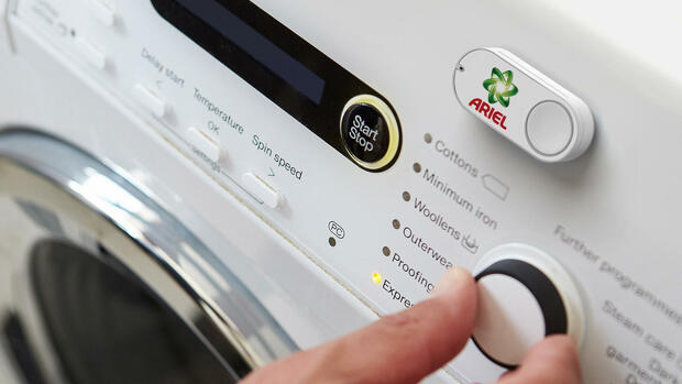 Der Amazon Dash-Button für die Marke Ariel Quelle: dpa