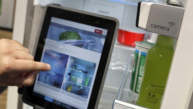 Bosch Kühlschrank Mit Kamera : Ifa: jetzt geht der kühlschrank endlich ins web