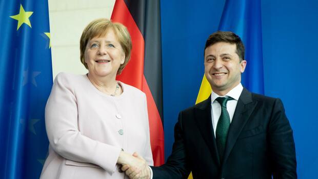 Strafmaßnahmen: Ukraine will mehr Druck auf Russland - Merkel lehnt ab