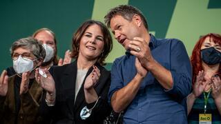Kleiner Parteitag: Grüne stimmen für Koalitionsverhandlungen mit SPD und FDP