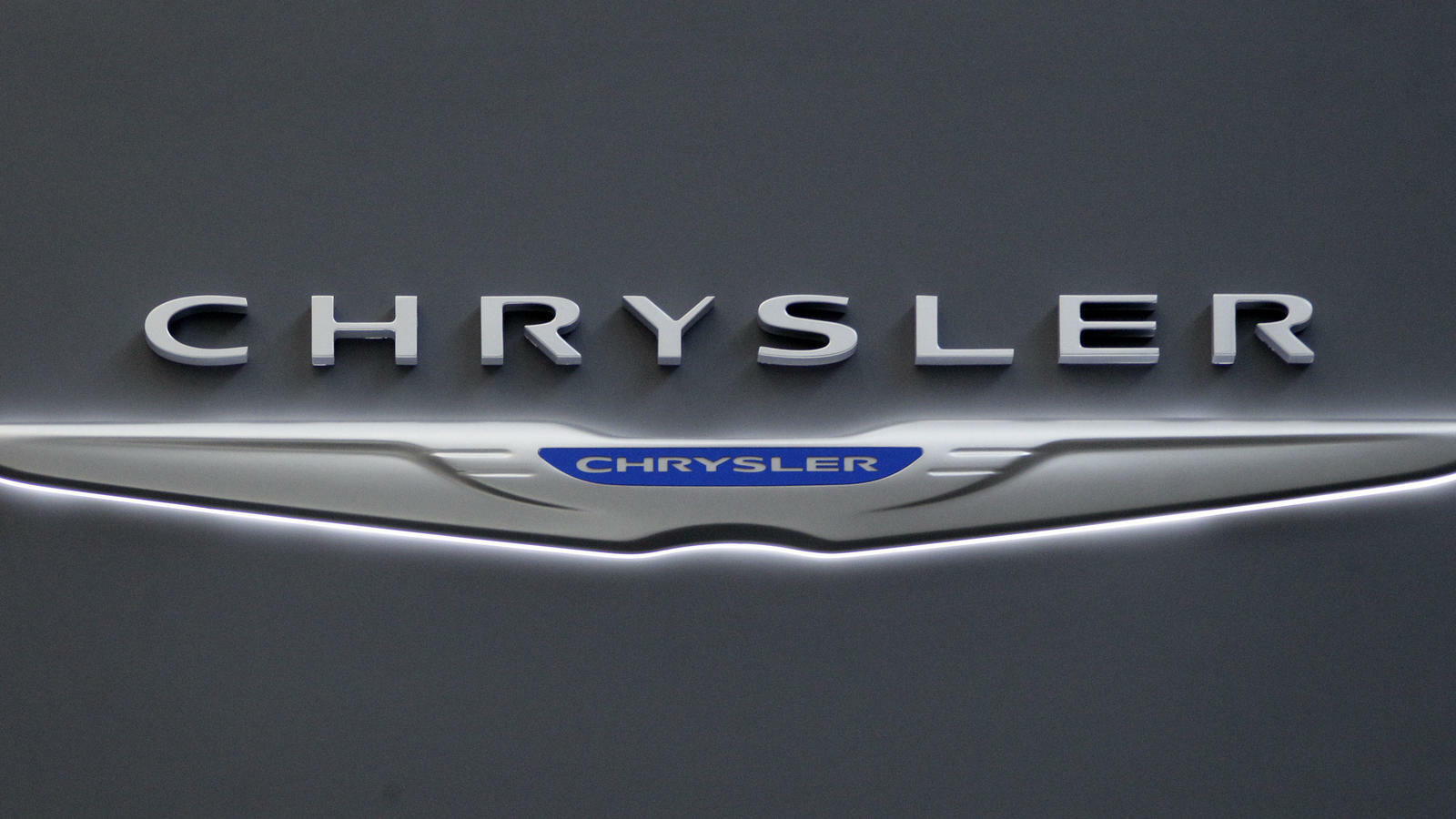 Chrysler logo on the Chrysler exhibit Quelle: dapd