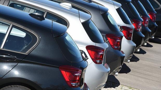 Autohäuser Die Leute Kommen Immer Seltener