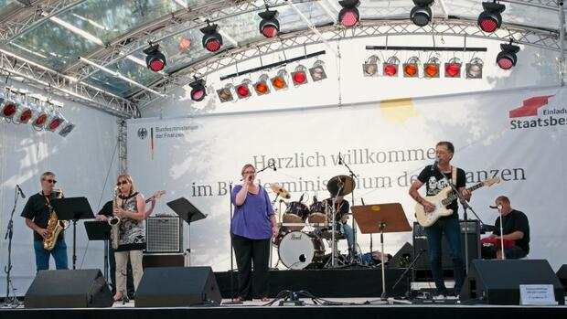 "Band ""Low Budget"" Quelle: Bundesfinanzministerium"