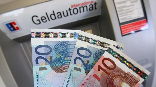 Bargeld Banken Führen 50 Euro Mindestabhebung Ein