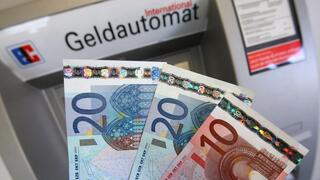 Banken führen Mindestabhebung ein: Wenn der Geldautomat nur mehr als 50 Euro auszahlt