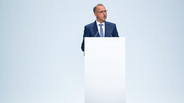 Aktionäre geben Bayer-Chef schallende Ohrfeige