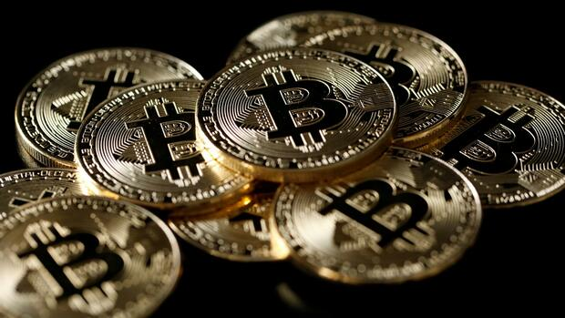 Bitcoin-Absturz: Finger weg von Bitcoin, Ripple und Co.! Quelle: Reuters