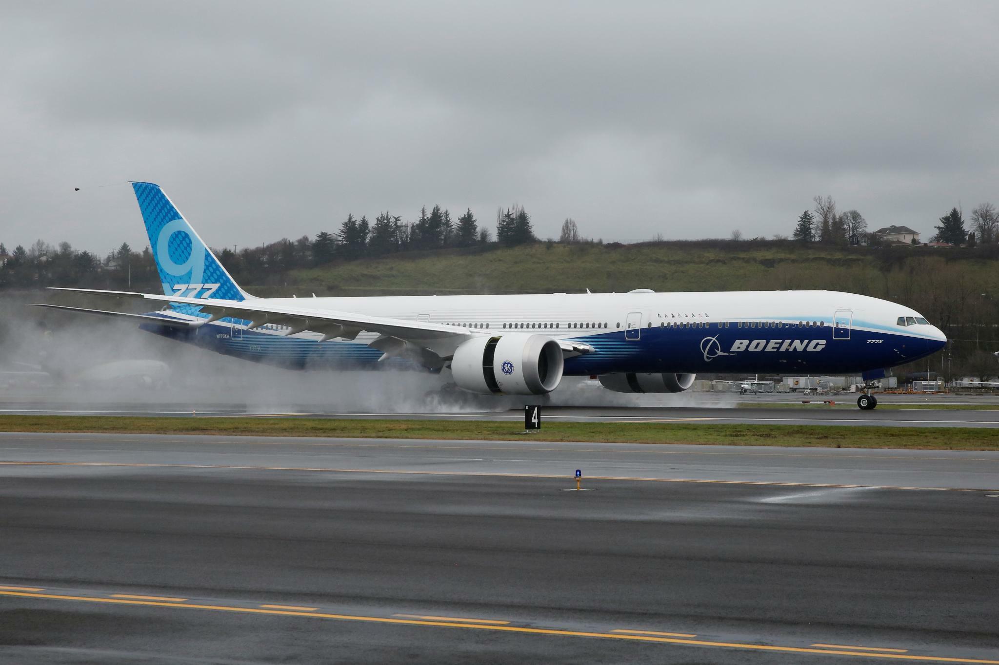 Neues Boeing-Modell 777X absolviert erfolgreich seinen Erstflug