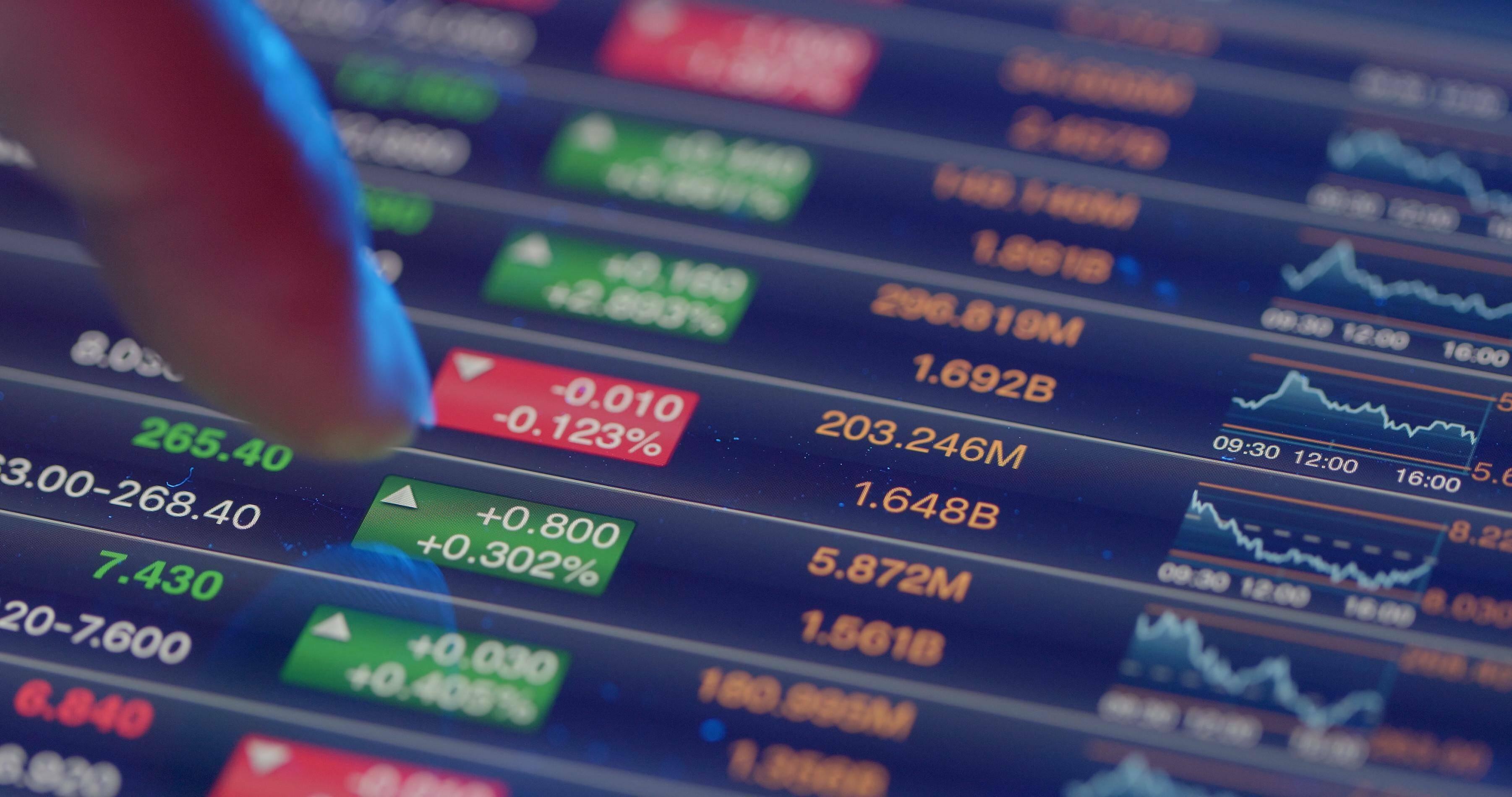Fondskosten: Warum Profianleger Fondsanteile billiger bekommen