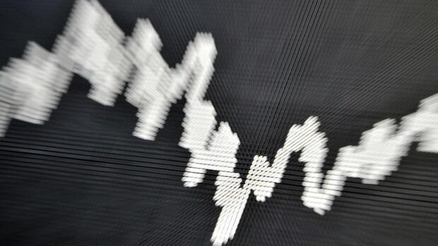 German. Außerdem haben die britischen Behörden zugesagt, den Transaktionsumfang auf höchstens 2 Mio. GBP jährlich zu begrenzen, während die etablierten Börsenplattformen keine .