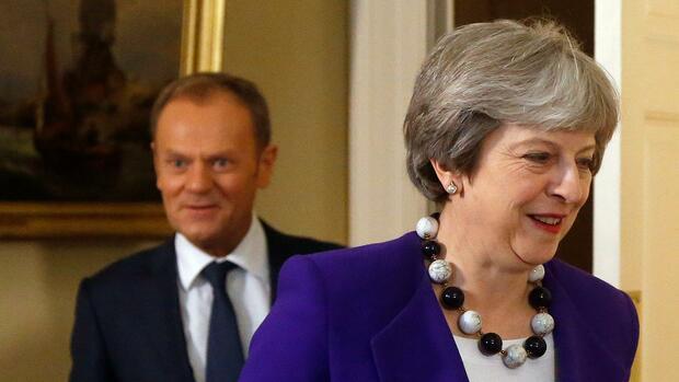 EU bietet Großbritannien normales Handelsabkommen an