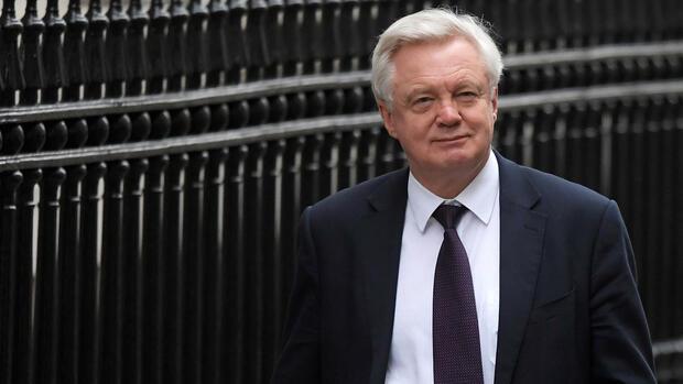 May fordert zuerst Handelsabkommen mit EU