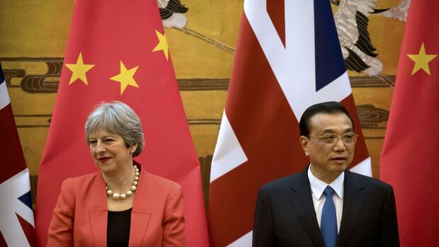 Britische Premierministerin May zu Besuch in China eingetroffen