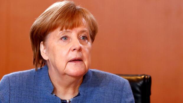 Merkel-Kritiker fordern Kurswechsel