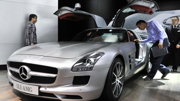 Ein Mercedes SLS AMG auf der Automesse in China. Quelle: dapd