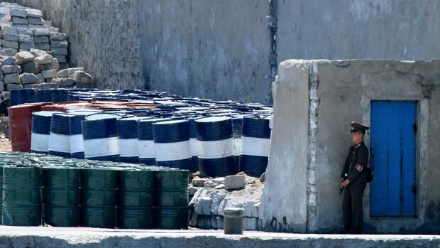 Südkorea hält Schiff aus Hongkong wegen Öl-Lieferung an Nordkorea fest