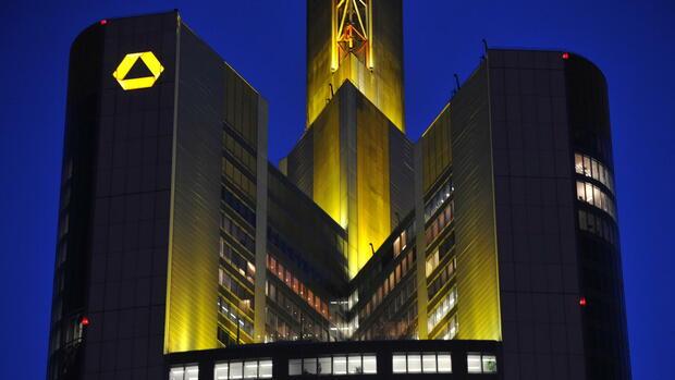 Commerzbank erwartet rote Zahlen im zweiten Quartal