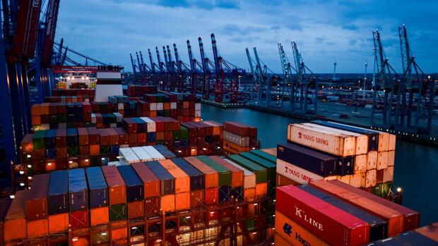 Deutschland Ausfuhren steigen kräftig