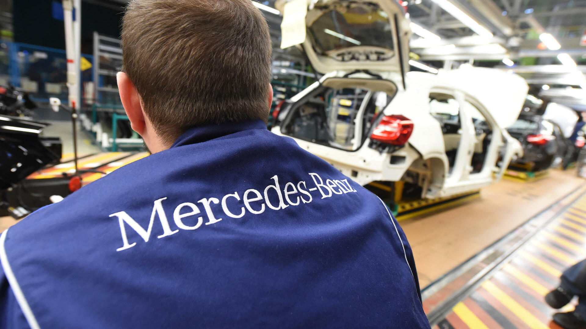 Mercedes-Produktion Quelle: dpa