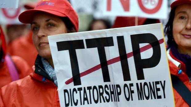 TTIP-Diskussion sorgt erneut für Streit in der SPD