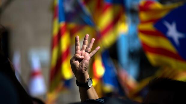 Katalonien: Spanische Polizei durchsucht Regionalregierung, Mitarbeiter verhaftet