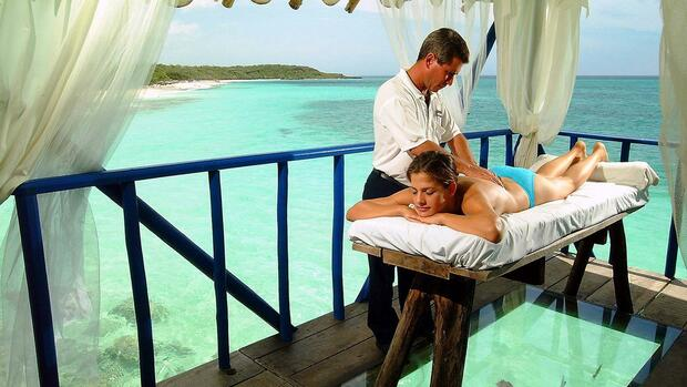 Massage am Strand Quelle: gms