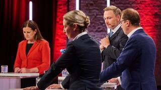 Bundestagswahl : Auf Triell folgt Vierkampf – Viel Streit bei kleineren Parteien