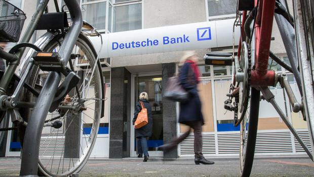 Commerzbank Im Vorteil Wo Die Deutsche Bank Locher Schlagt