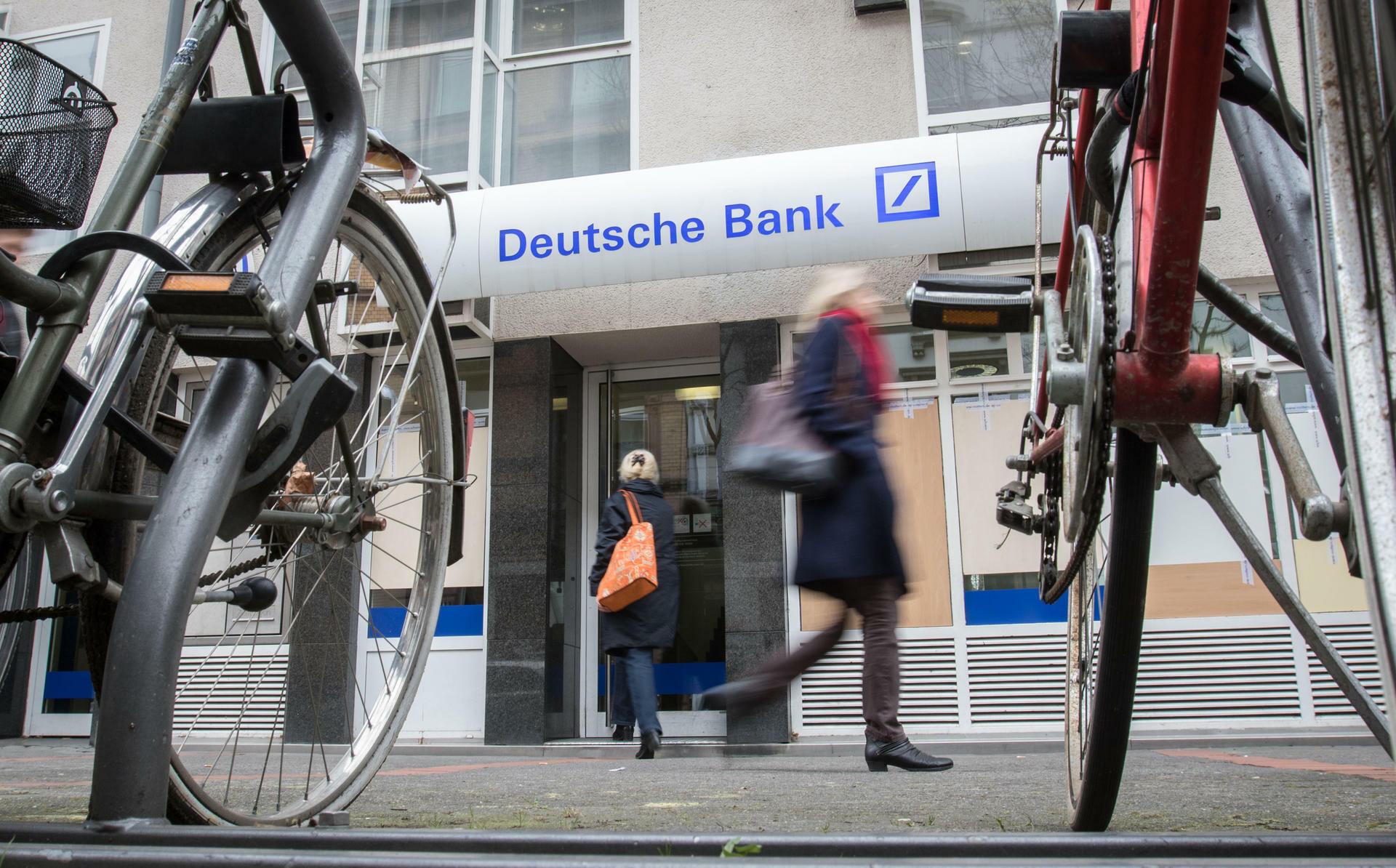 Commerzbank Im Vorteil Wo Die Deutsche Bank Löcher Schlägt