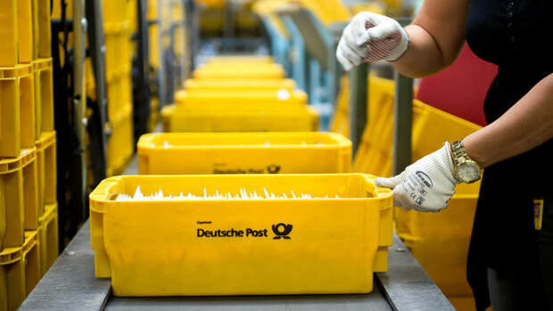 Briefverteilzentrum der Deutsche Post Quelle: dpa