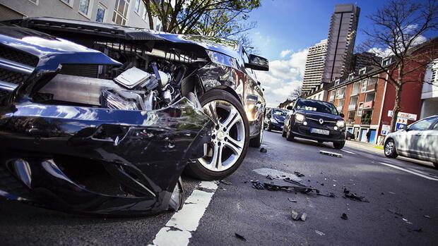Unfall mit dem Dienstwagen – wer zahlt jetzt?