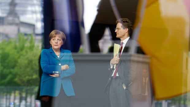 Angela Merkel und Nikolaus Meyer-Landrut Quelle: dpa Picture-Alliance