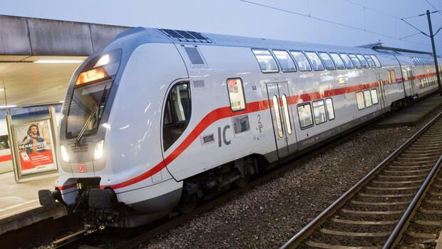 IC-2-Doppelstockzüge von Bombardier haben Softwareprobleme