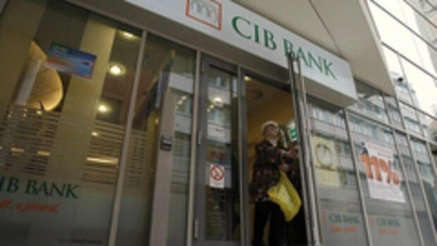 Eine Bank in Budapest Quelle: REUTERS