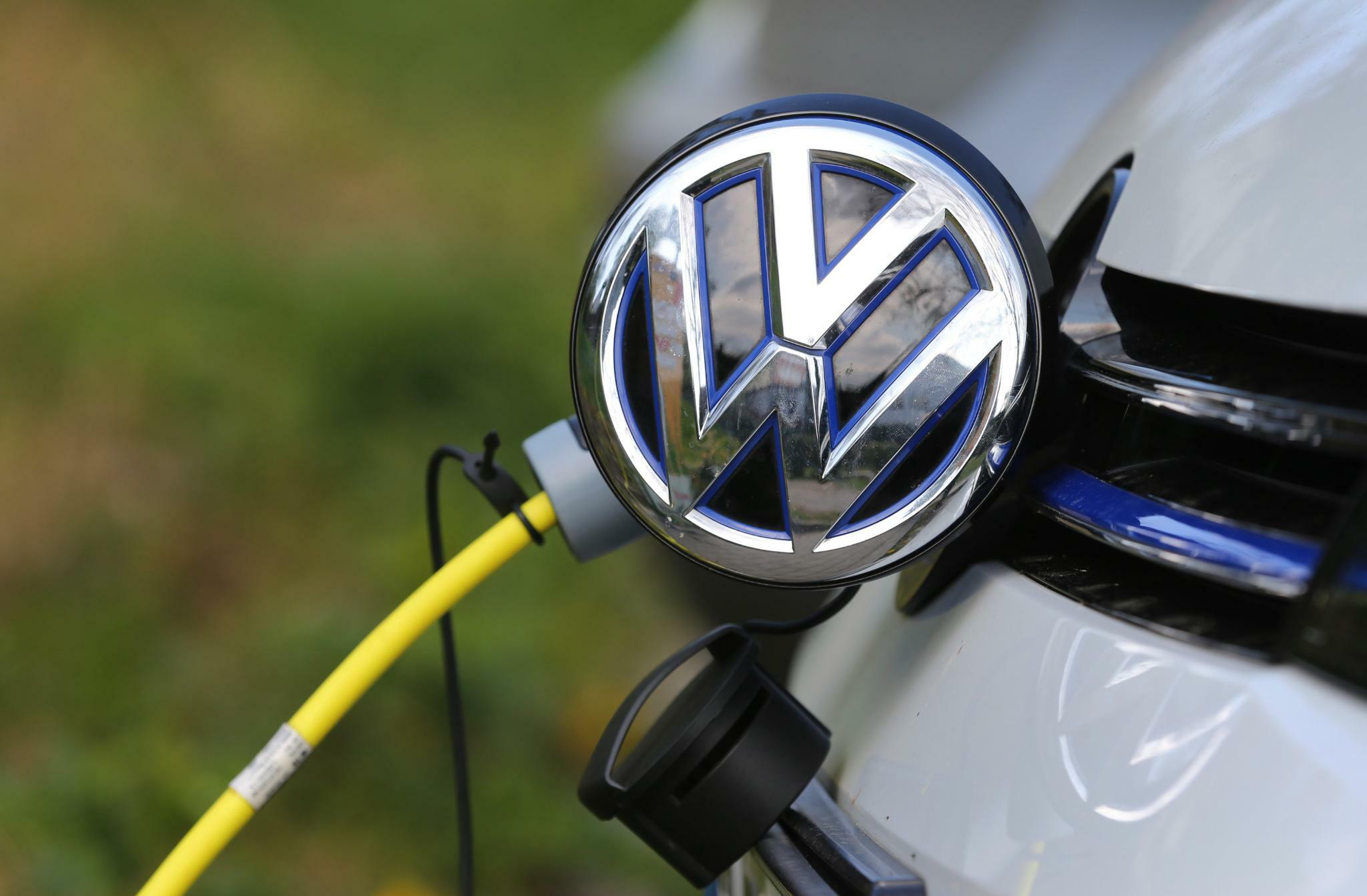 VW und Tesla: Volkswagen mit deutlich höherem Kobaltverbrauch