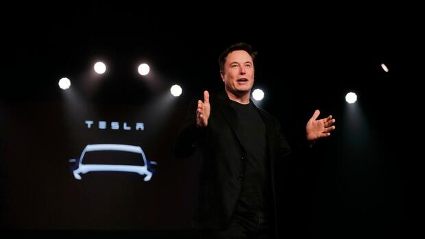 Tesla: Elon Musk will Uber und Co. mit Robotaxi Konkurrenz machen