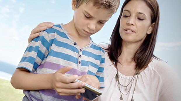 tracking apps wenn eltern das handy der kinder aussp hen. Black Bedroom Furniture Sets. Home Design Ideas